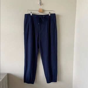 NWT-American Eagle Pinstripe Joggers (Extra Large)